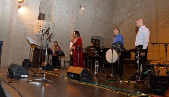 Serenad Bağcan konseri Bellapais Manastırı'nda Yapıldı