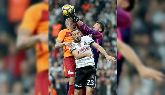 Beşiktaş, Galatasaray'ı ezdi geçti