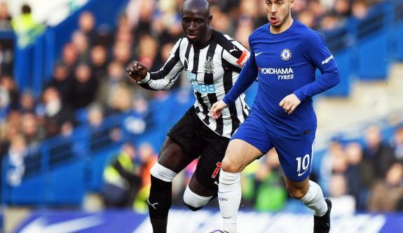 Chelsea, Hazard'la kazandı