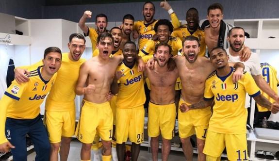 Juventus, Napoli'yi tek golle yıktı