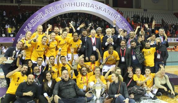 Kalaycıoğlu: YDÜ, KKTC takımıdır