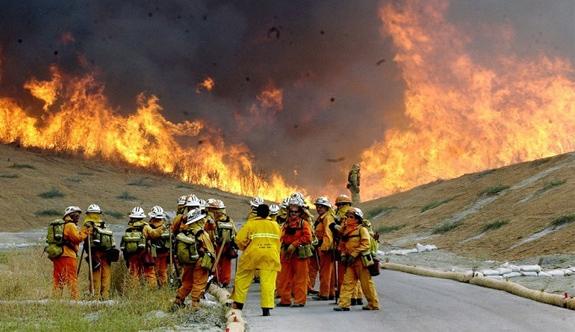 Kaliforniya'daki yangın söndürülümiyor: 1 ölü