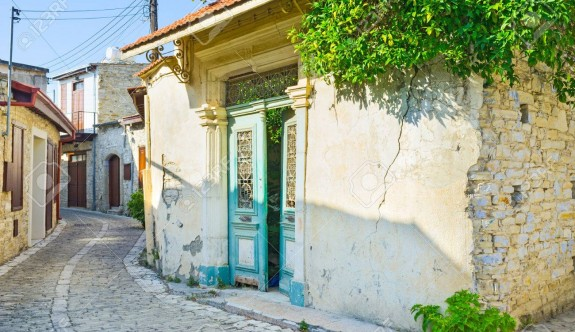 Lefkara'daki Türk evleri tehlike saçıyor