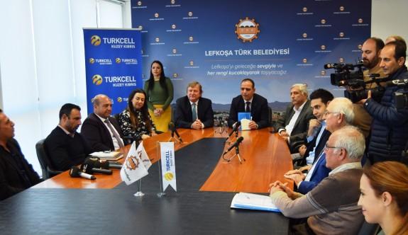 """""""Lefkoşa Turkcell'le Koşuyor Maratonu""""nun geliri SOS'e teslim edildi"""
