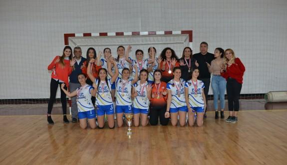 Liseli gençler hentbolda şampiyonlar belirlendi