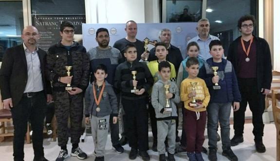 Satrancın şampiyonları Vurana ve Paşa