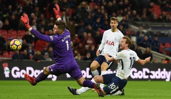 Tottenham, Stoke City'e patladı