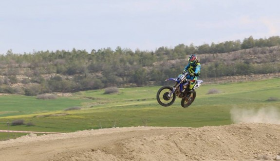 Aya'da Motocross şov vardı