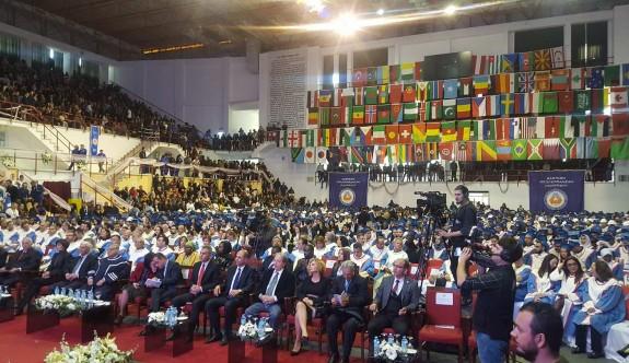 DAÜ'den bin 400 mezun daha