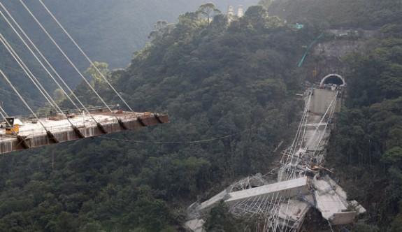 Dev köprü inşaatı çöktü!
