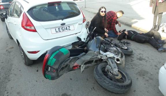 Dikkatsiz motosikletli kazaya neden oldu