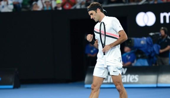 Federer, Avustralya Açık'ta yarı finalde