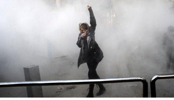 İran'daki gösterilerde 3 bin 700 kişi gözaltında