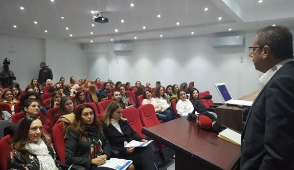 """""""Kadın, Şiddet ve Medya"""" semineri yapıldı"""
