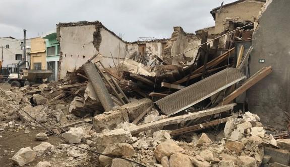 Lefkoşa Surlariçi'nde bina çöktü