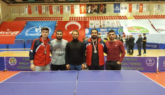 Masa tenisçiler, Türkiye'de başarılı
