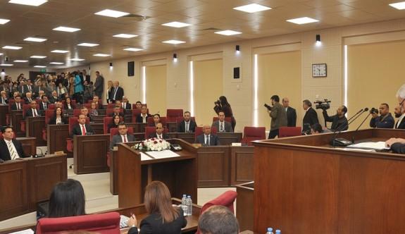 Meclis'teki tüm partilerden sağduyuya davet