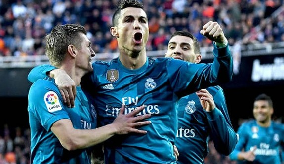 Real Madrid, Valencia'yı deplasmanda yıktı