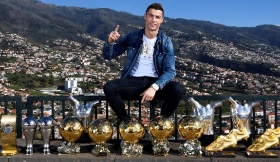 Ronaldo'dan gövde gösterisi
