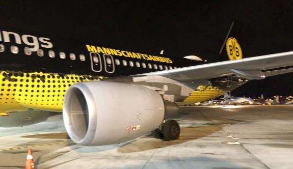Schalke, maça ezeli rakibi Dortmund uçağıyla gitti