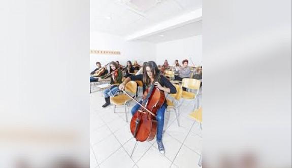 YDÜ Müzik Öğretmenliği lisans ve yüksek lisans giriş sınavı başvuruları başladı