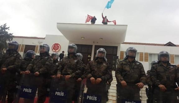 Cumhuriyet Meclisi damına çıkılmasına ilişkin polis soruşturması tamamlandı