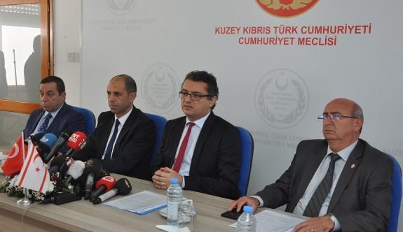 Dörtlü koalisyonun protokolü imzalandı