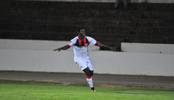 Emeka'ya dört maç ceza