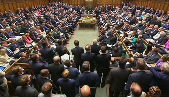 İngiltere parlamentosunda cinsel taciz anketi şaşırttı