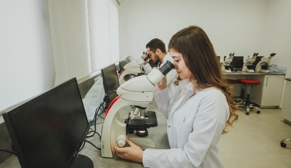 LAÜ Patoloji Laboratuvarı'nda nitelikli teknik eleman yetiştiriliyor