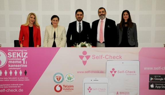 Meme kanseri kontrolü yapan self check uygulaması tanıtıldı