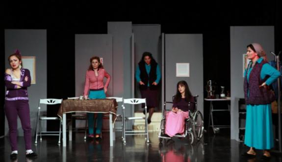 ''Mor'' isimli tiyatro oyunu 2 Mart'ta seyirciyle buluşacak