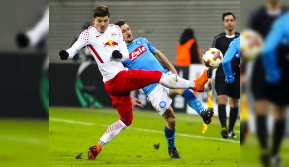 Napoli kazandı, Leipzig turladı