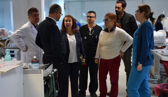 Sağlık Bakanı, Dr. Burhan Nalbantoğlu'nda incelemelerde bulundu