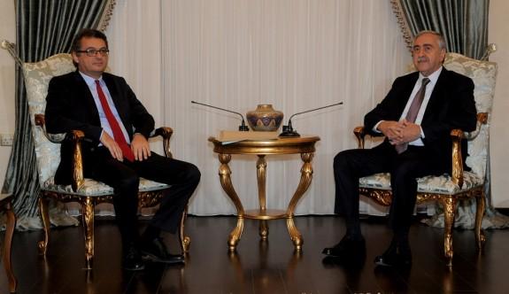 Yeni hükümet kabinesi Cumhurbaşkanına sunuldu