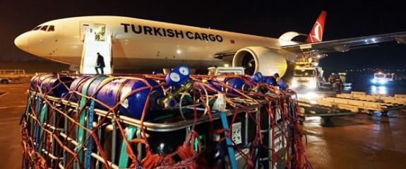 1,5 milyon canlı balık İzmir'den Umman'a uçtu