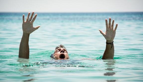Alagadi'de denize giren genç boğuldu