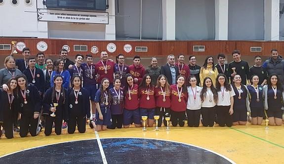 Badminton Federasyonu, malzeme yardımı yaptı
