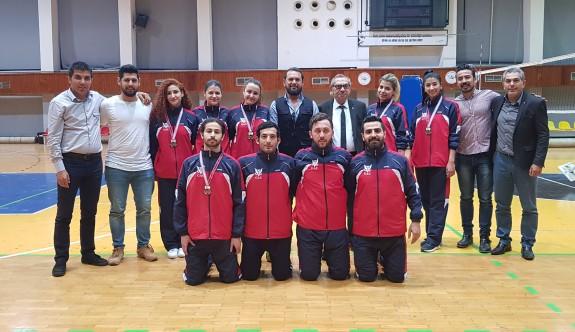 Badmintonda şampiyon GAÜ