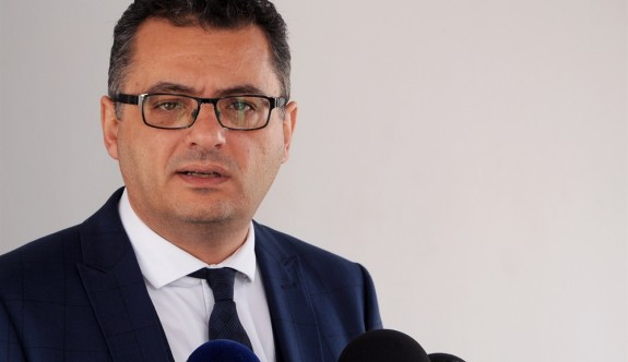 Başbakan'dan, Anastasiadis'e sert gönderme