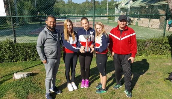 GAÜ Kadın Tenis Takımı, namağlup şampiyon