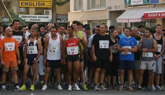 Girne'de anlamlı maraton