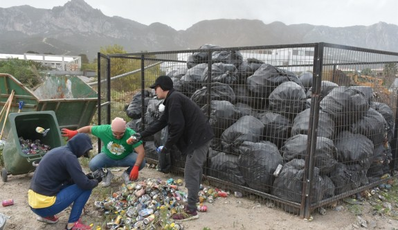Girne'de toplanan teneke kutular ayrıştırıldı