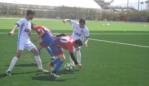 Göçmenköy Stadı'nda ilk maç, gençlerin