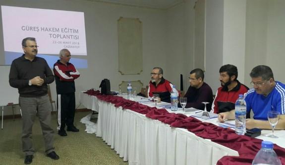 Güreş hakemleri, Gaziantep'te bilgi tazeledi