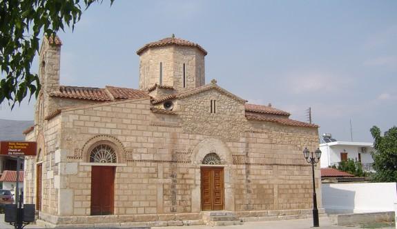Güzelyurt'taki kiliselere ve mezarlığa restorasyon
