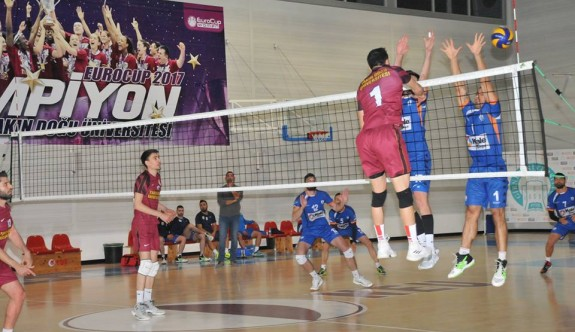 Kadınlarda Çamlıkspor, erkeklerde YDÜ finalde
