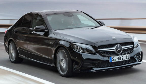 Mercedes'in güçlü versiyonu: AMG C43 4Matic