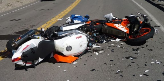 Motorlu genç ağır yaralandı