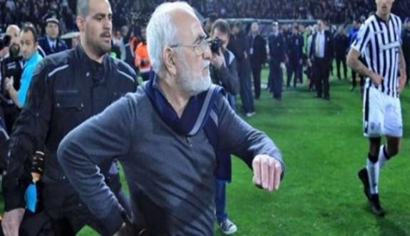 Sahaya silahla inen PAOK başkanına rekor ceza